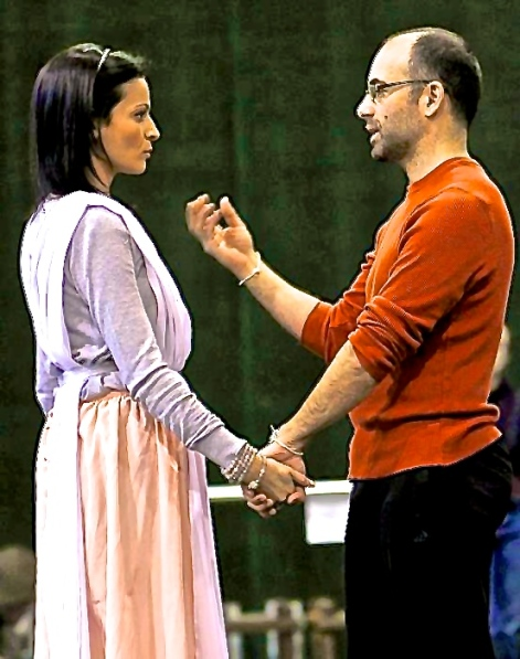 Adoniou in rehearsal for L'Orfeo with Davinia Rodríguez. Seattle Opera 2012
